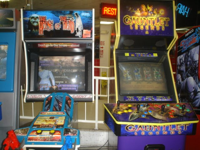 Classic Arcade - House of the Dead and Gauntlet Legends