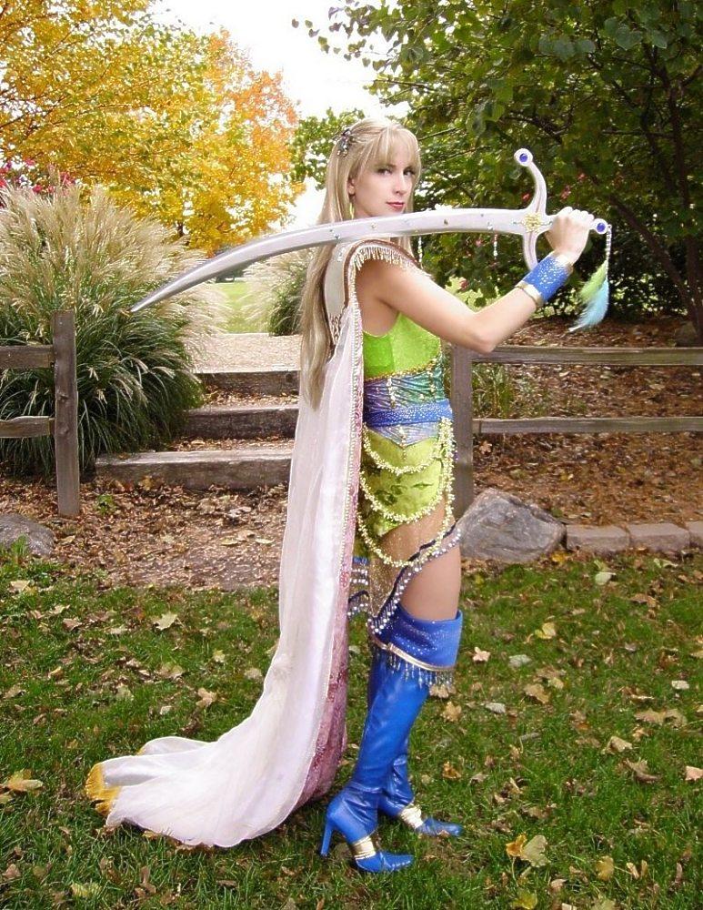 Final Fantasy Celes Cosplay girl