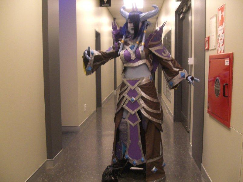 WoW Draenei cosplay