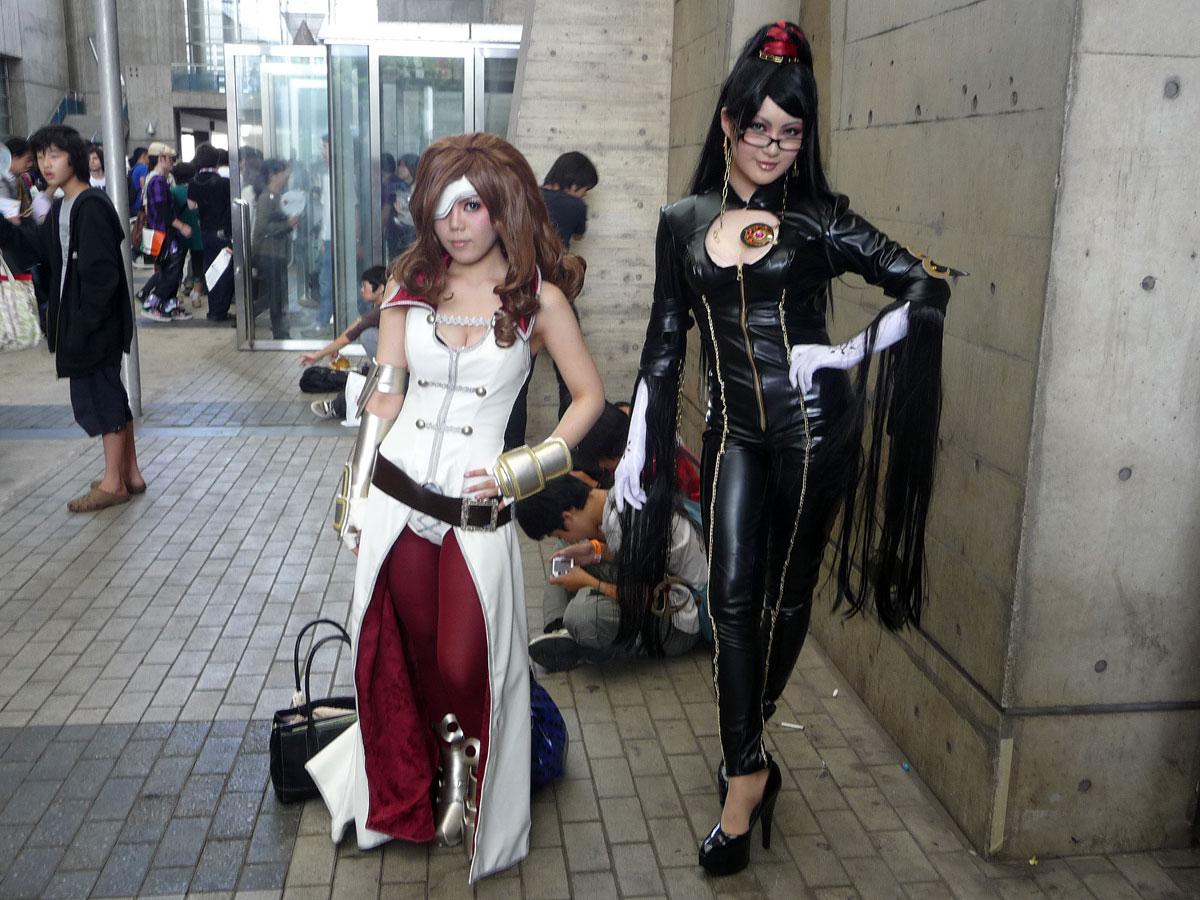 Bayonetta cosplay girls