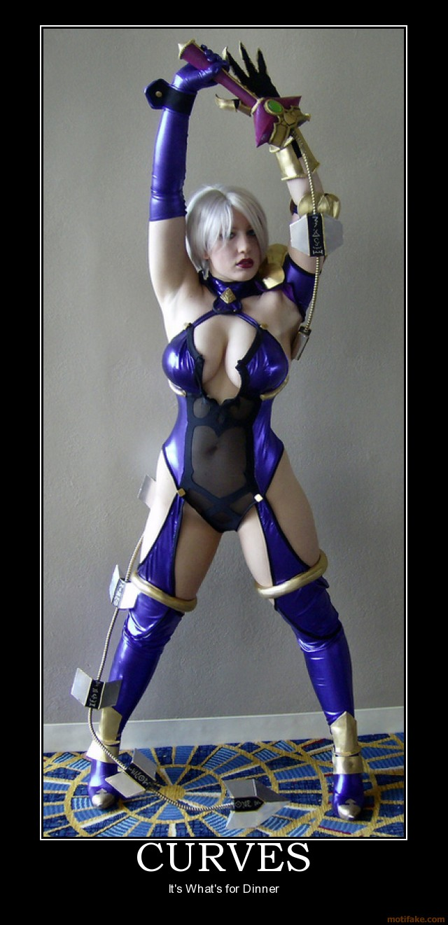 Curves cosplay girl