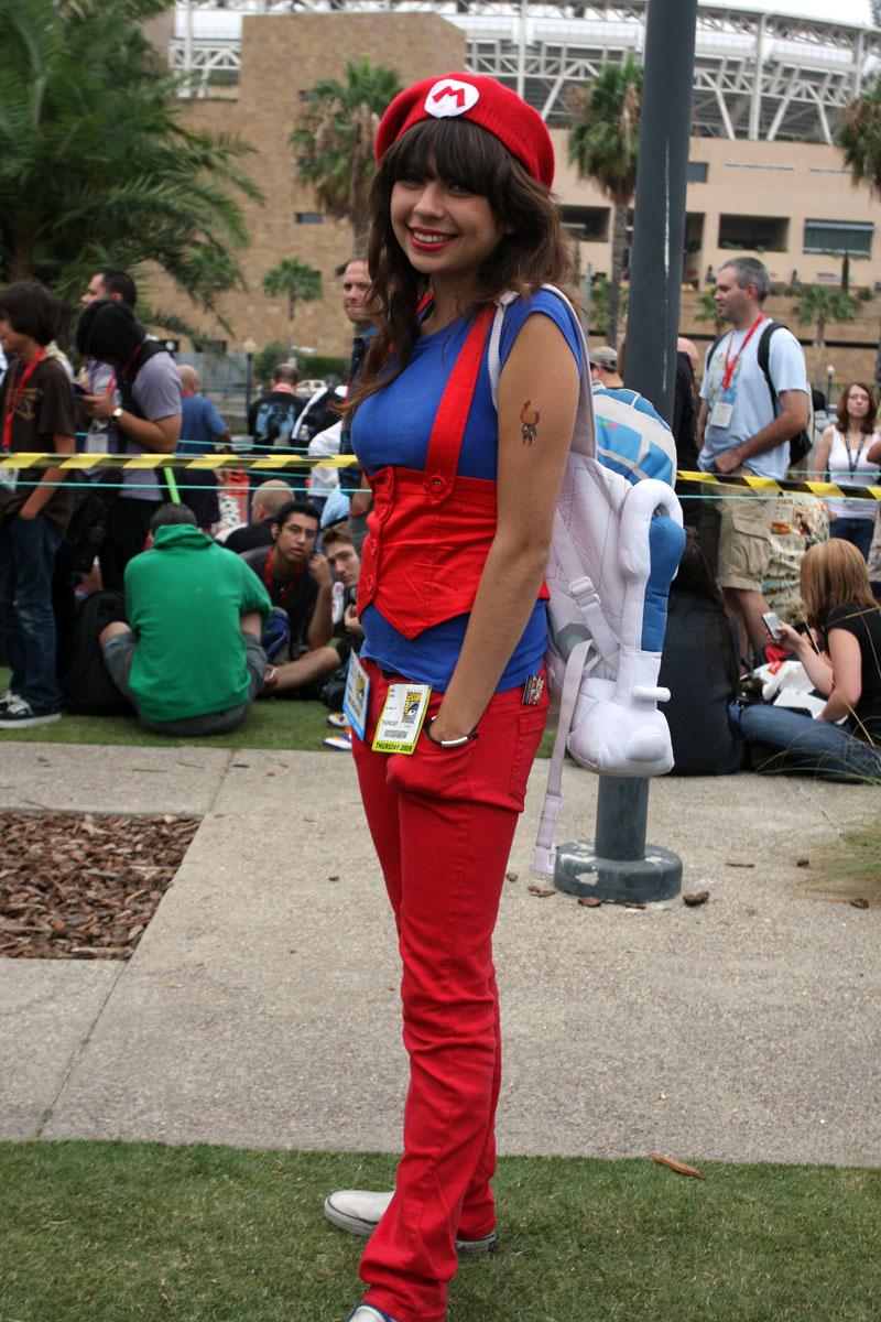 super mario cosplay girl