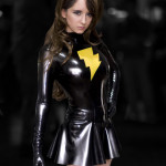 miss marvel cosplay girl