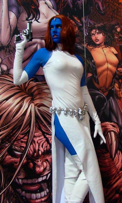 mystique cosplay girl