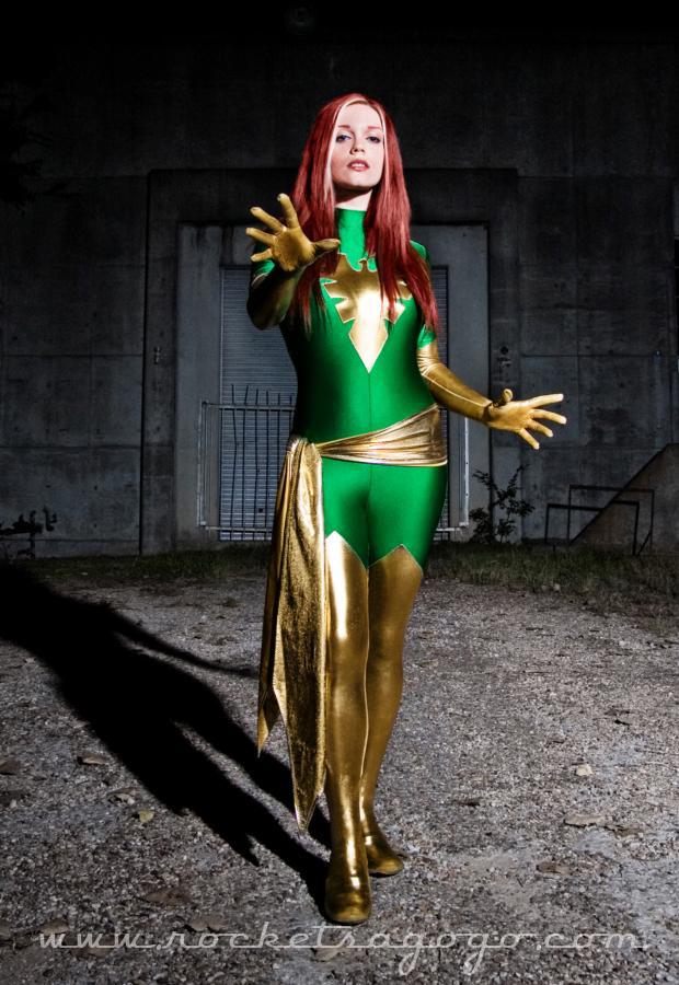 phoenix cosplay girl
