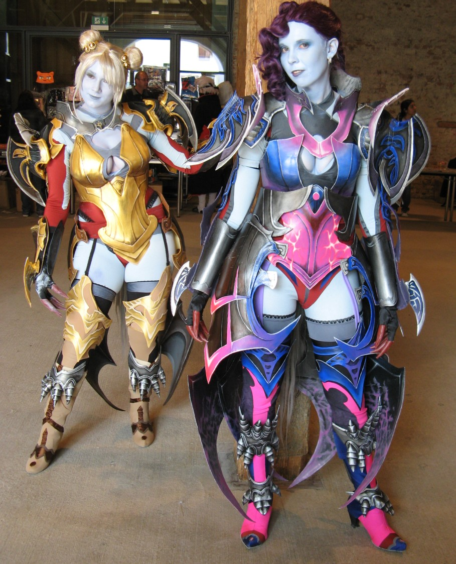 Aion Cosplay girls