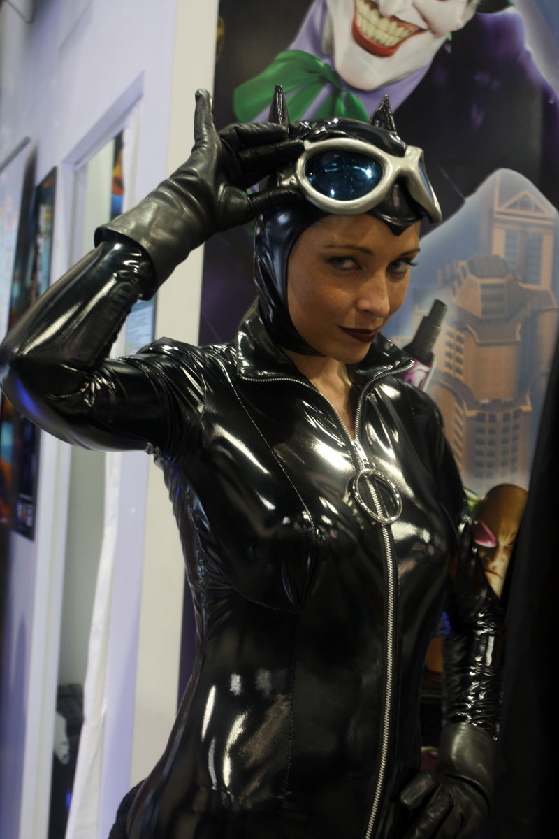Catwoman cosplay girl