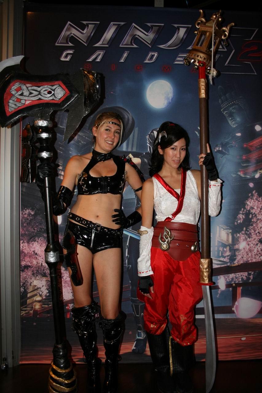 E3 Booth Babes cosplay
