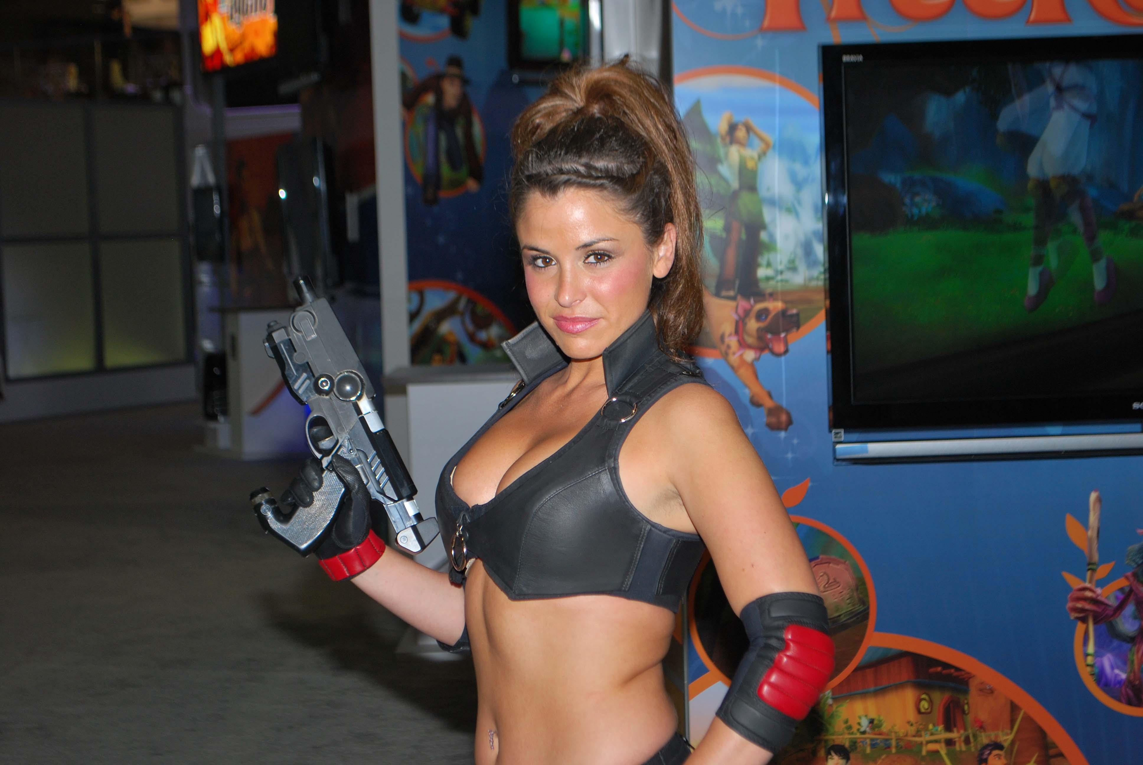 e3 2009 booth babe with gun