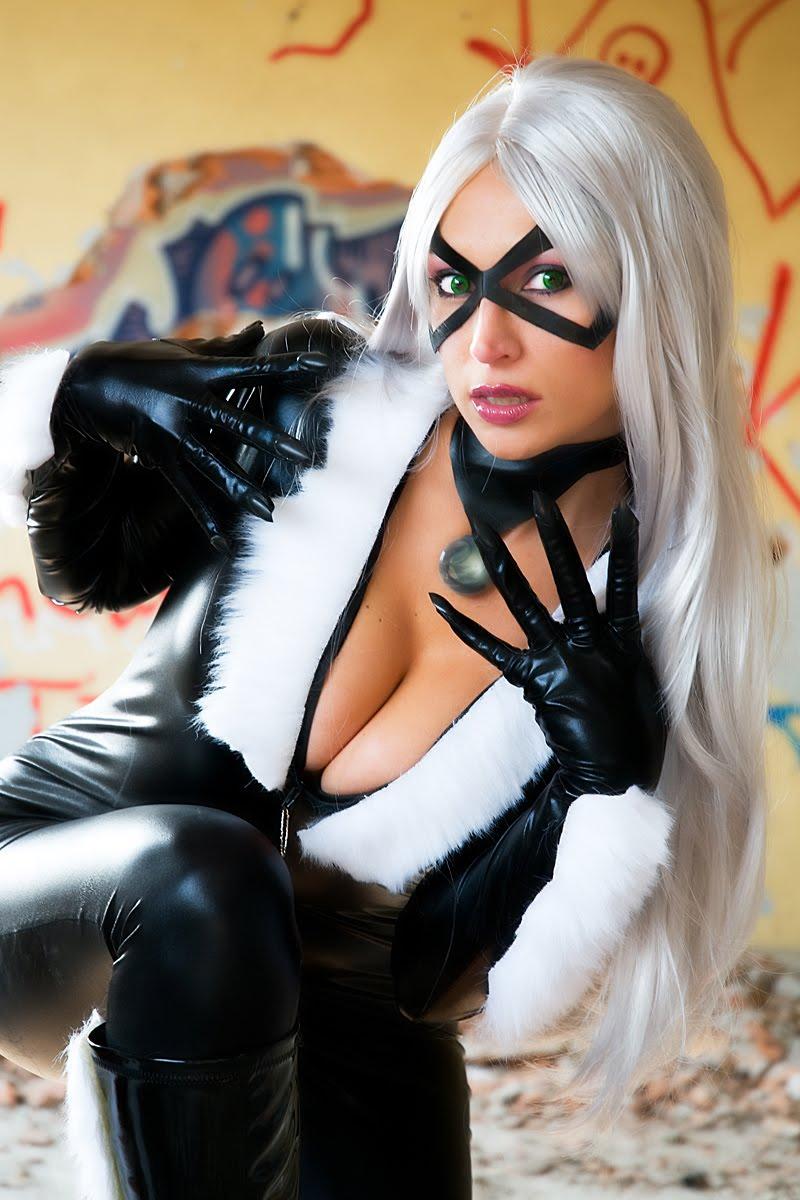 Black Cat Cosplay girl