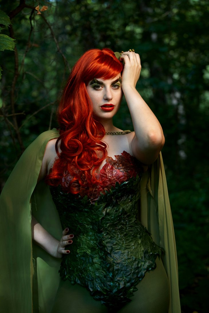 Poison Ivy Cosplay girl
