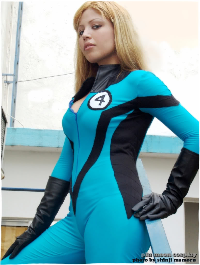 Fantastic Four Sue Storm Cosplay girl