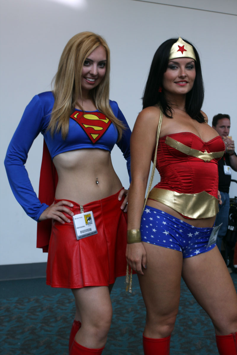 DC Universe Supergirl and Wonder Woman Cosplay girl