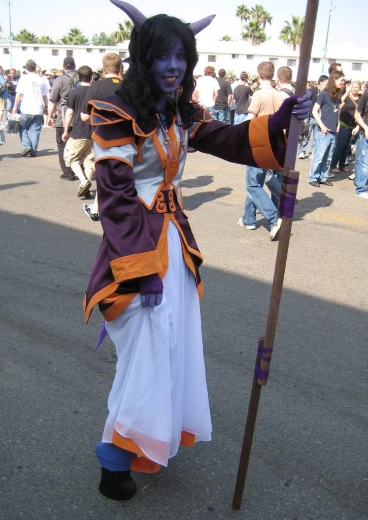 World of Warcraft Cosplay - Draenei Female
