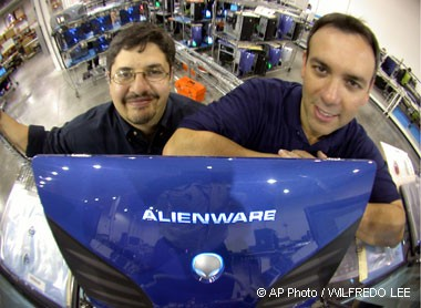 Alex Aguila and Nelson Gonzalez - Alienware
