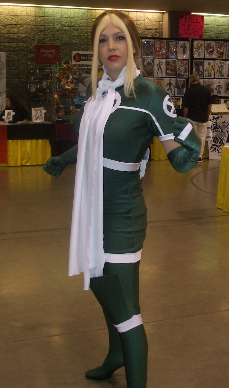 Rogue Cosplay - Marvel Cosplay