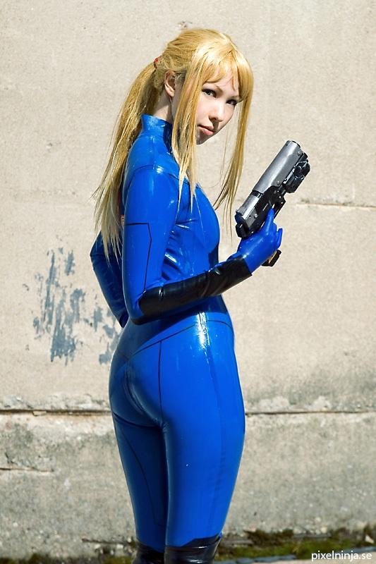 Samus Cosplay - Metroid Cosplay