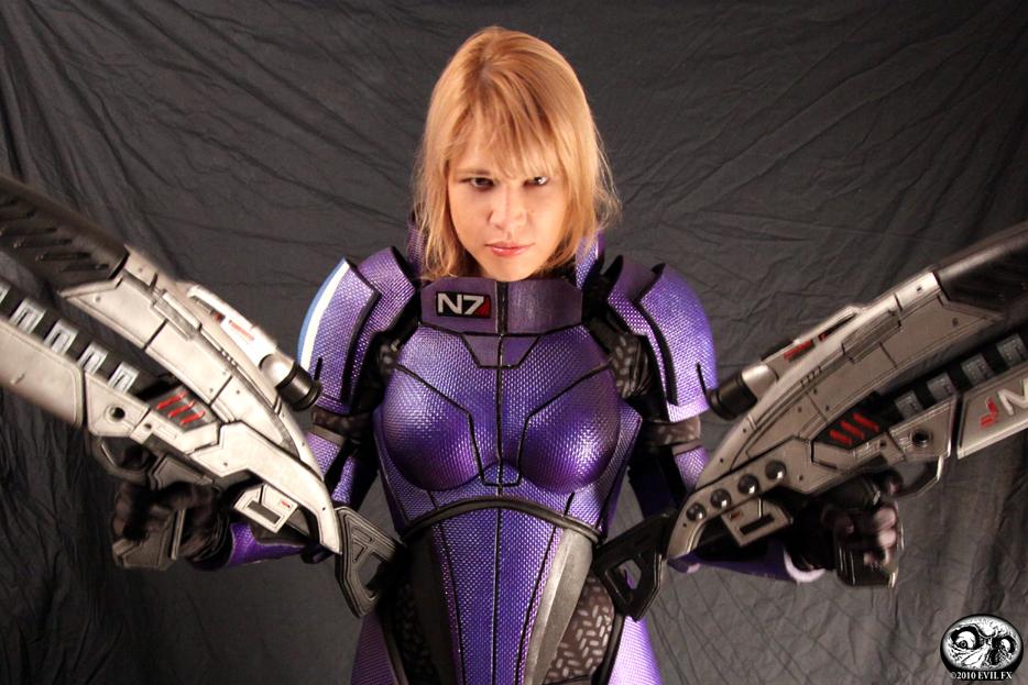 Mass Effect Cosplay 2