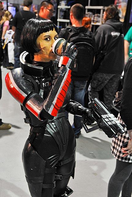 Mass Effect Cosplay 4