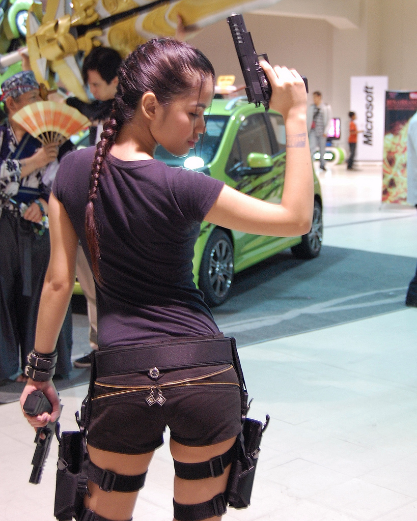 Lara Croft Cosplay to celebrate 2012 E3 World Premiere Tomb Raider Crossroads Trailer Video