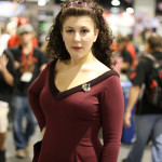 deanna-troi-star-trek-cosplay