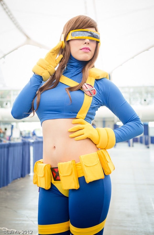 Lady Cyclops - X-Men Cosplay