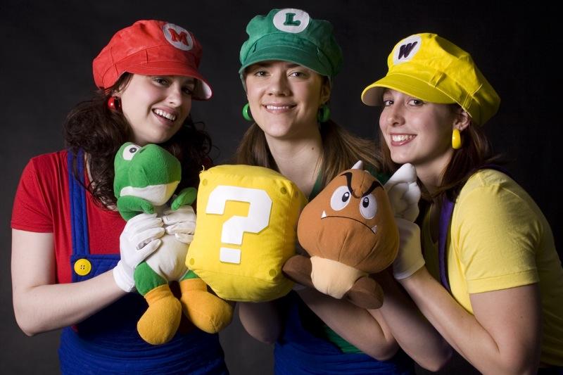 Sonic vs Mario Cosplay