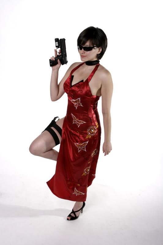 Cosplay wars Aye Brea vs Ada Wong